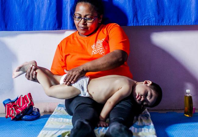 Creche municipal tem ioga e massagem para crianças dormindo