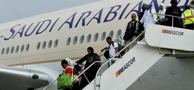 Mãe faz avião voltar para buscar o filho que ficou no aeroporto entenda