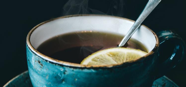 chá de limão para acabar com a tosse