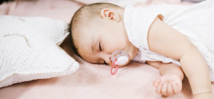 evitar dar a chupeta cuidados recém-nascido