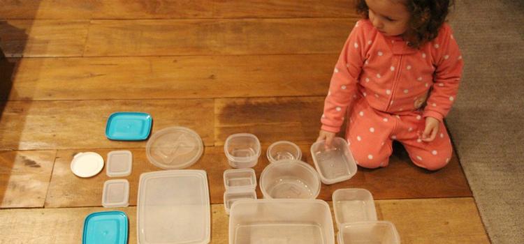 jogos para crianças de 3 anos qual a tampa