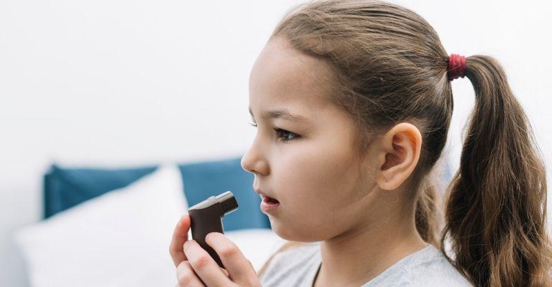 causas da tosse alérgica infantil